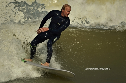Making the most of the small waves, Joss Bay
