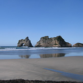 Very low tide, Wharariki Beach