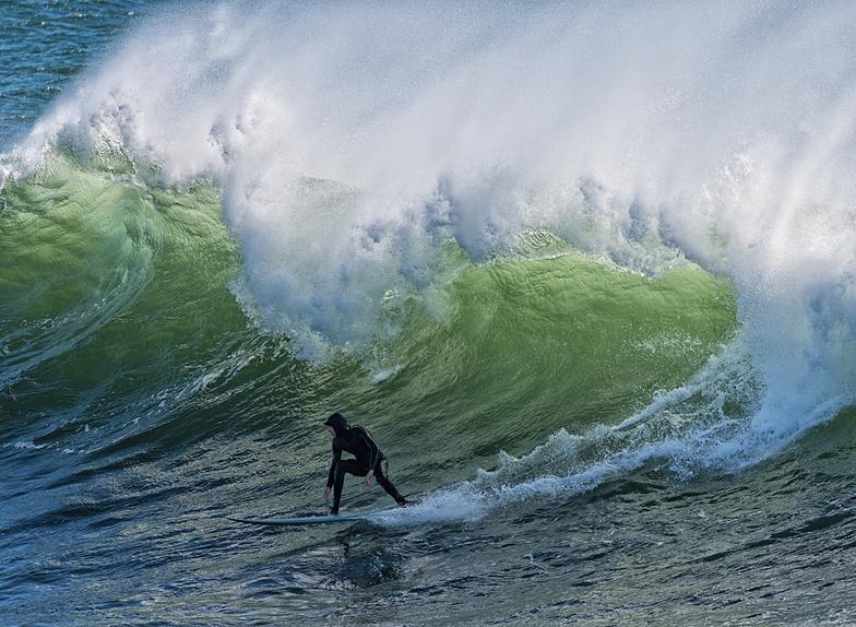 Windy day surfing, Steamer Lane-Middle Peak