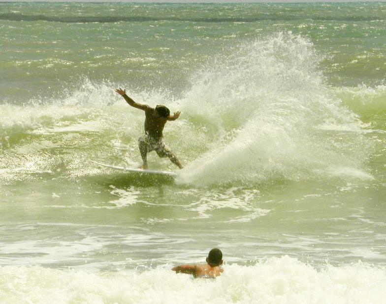 Praia da Pipa surf Brasil - surfari, Tibau do Sul