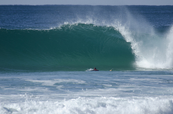 hollow barrels at Smiths, Smiths Beach photo