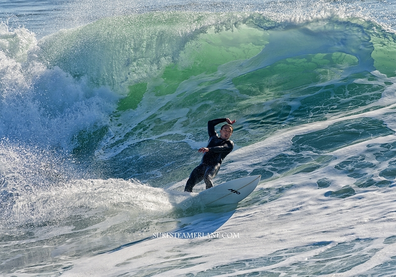 Big move at the Point, Steamer Lane-The Point