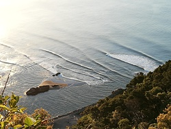 A small day with good lines, Whakatane Heads photo