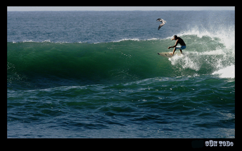 El Zunzal surf break