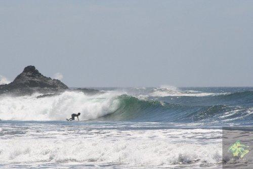 Main beach left, El Transito