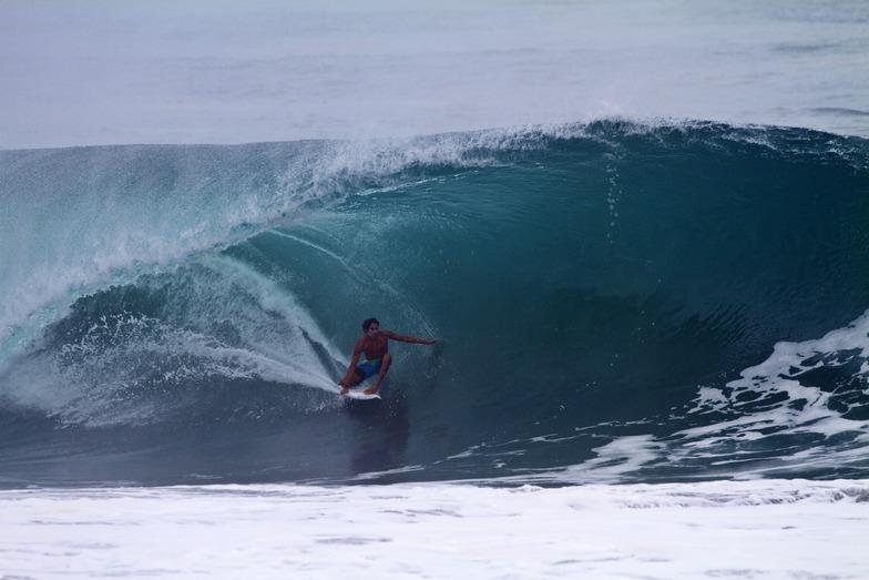 martin olea,barra surf shop, Pascuales
