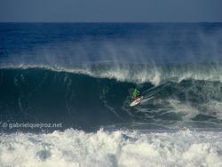 marcelo trekinho in a big barrel!, Canto do Leblon photo