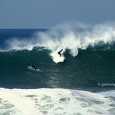 not identified surfer in a big drop!, Canto do Leblon