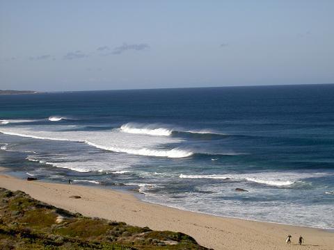Lefthanders surf break