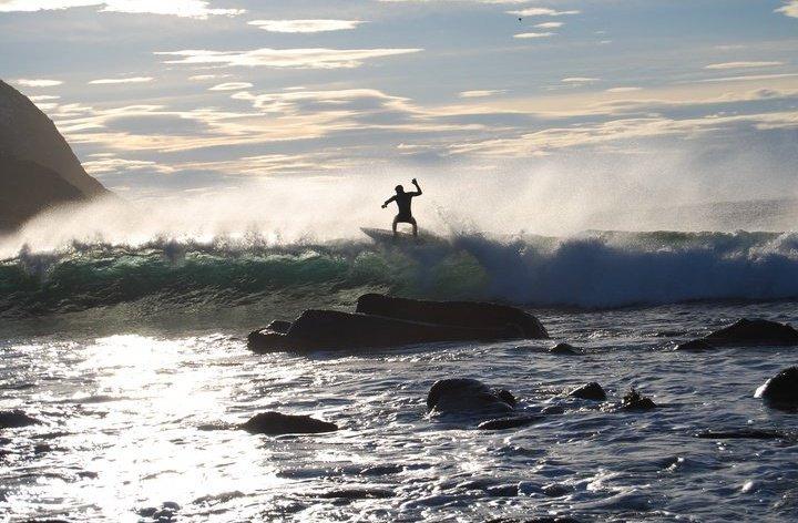 Alnes Lighthouse surf break