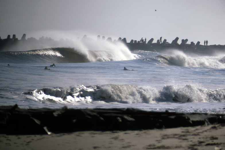Manasquan Inlet surf break