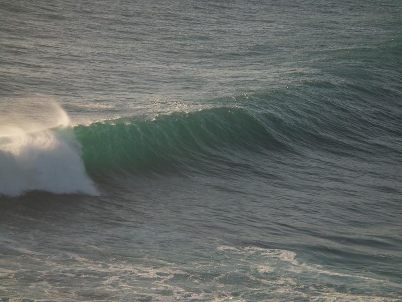 Whites Reef surf break