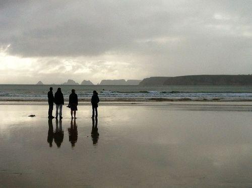 Surf check at Goulien, Bretagne