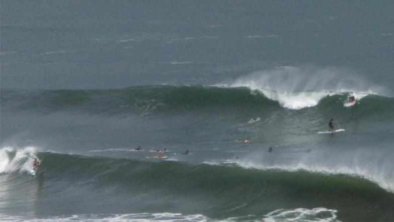 Honolii Beach Park surf break