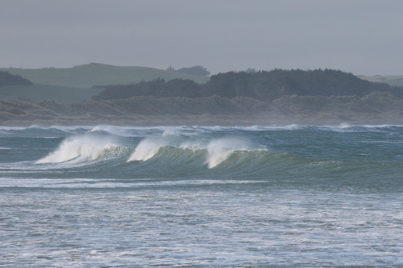 Rough day at Colac Bay