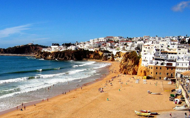 Albufeira surf break