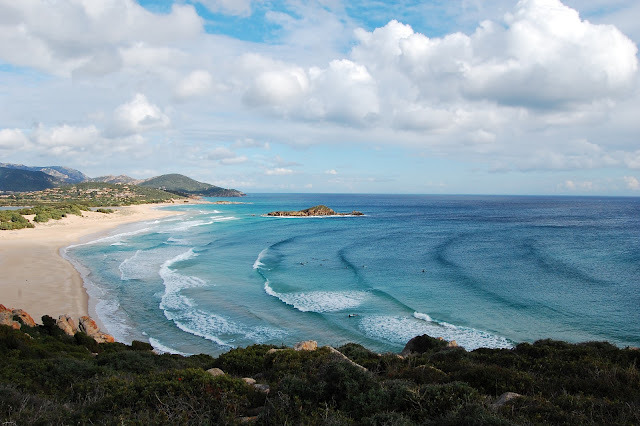 Cipolla Pipeline surf break