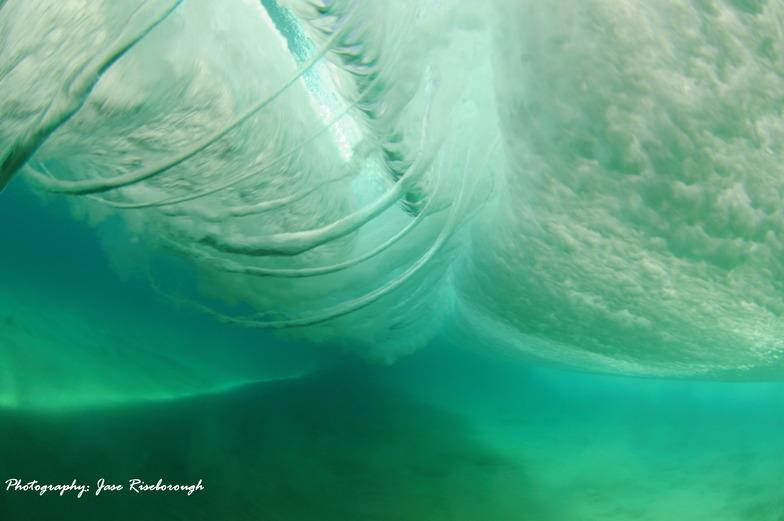 Under the ocean wave explosion!!, Margaret River Mouth