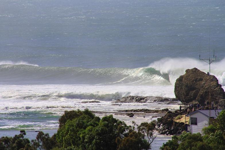 Currumbin Point surf break