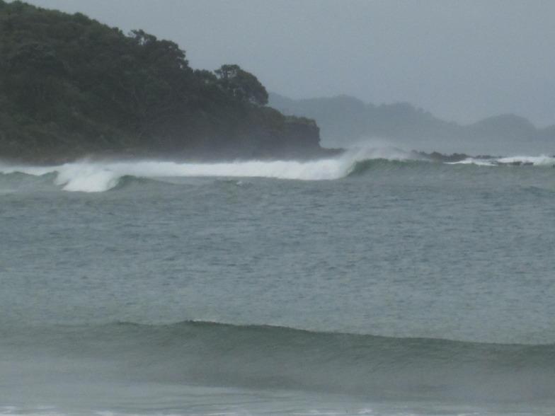 Tapuaetahi surf break