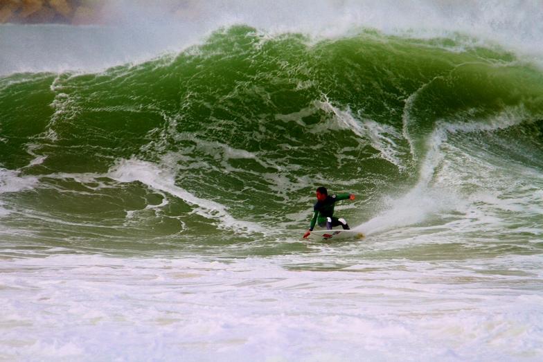 Molho Leste surf break