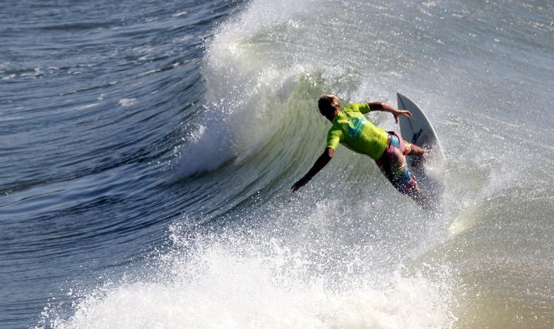 Alkantstrand surf break
