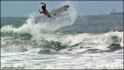 Surfer - Vitor Mendes, Praia do Tombo photo