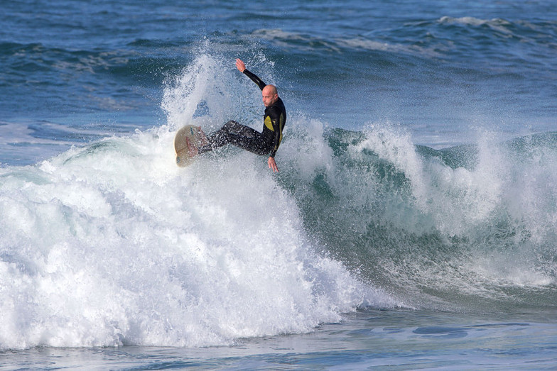 Cracking the closeout, Merewether - Ladies