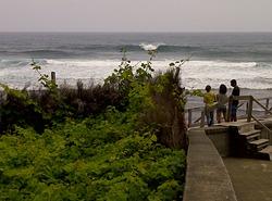 a surfear en san vicente, isla de madeira, Faja da Areia photo