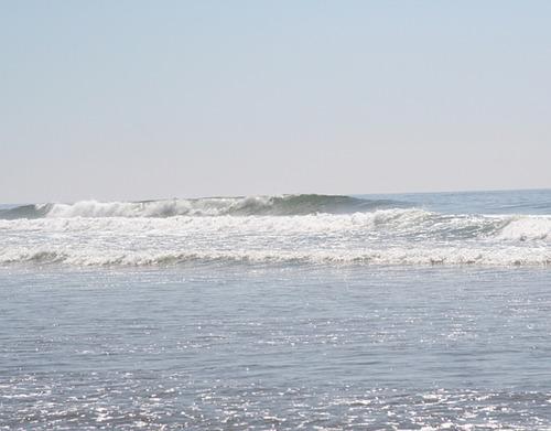 Rolling breaker, Cannon Beach