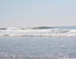 Rolling breaker, Cannon Beach photo