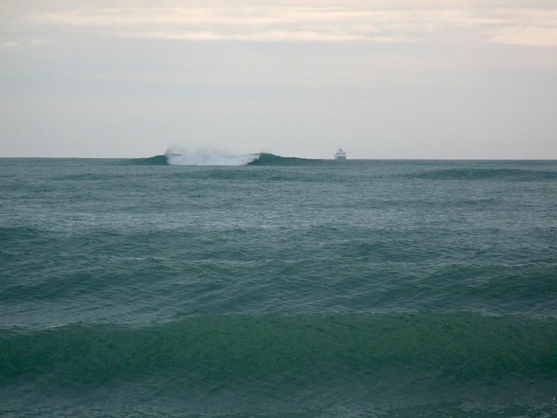 Tahunanui Beach surf break