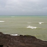 wave break at Maori Bay