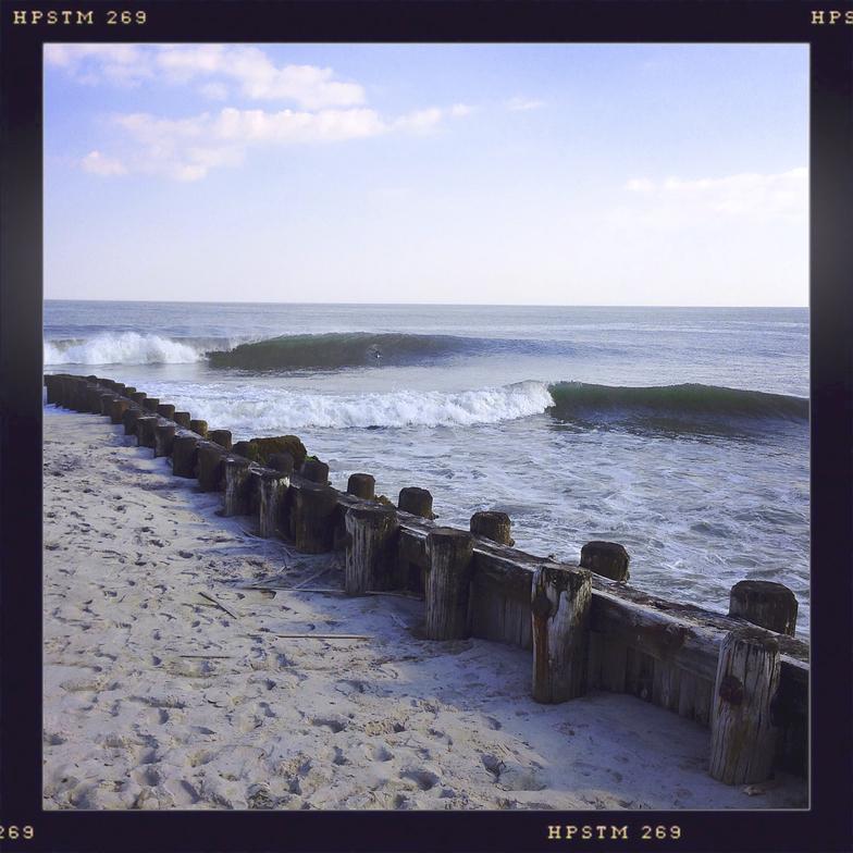 Wooden Jetties surf break