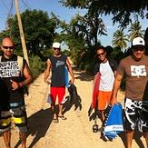 Walking to Pato, Los Patos