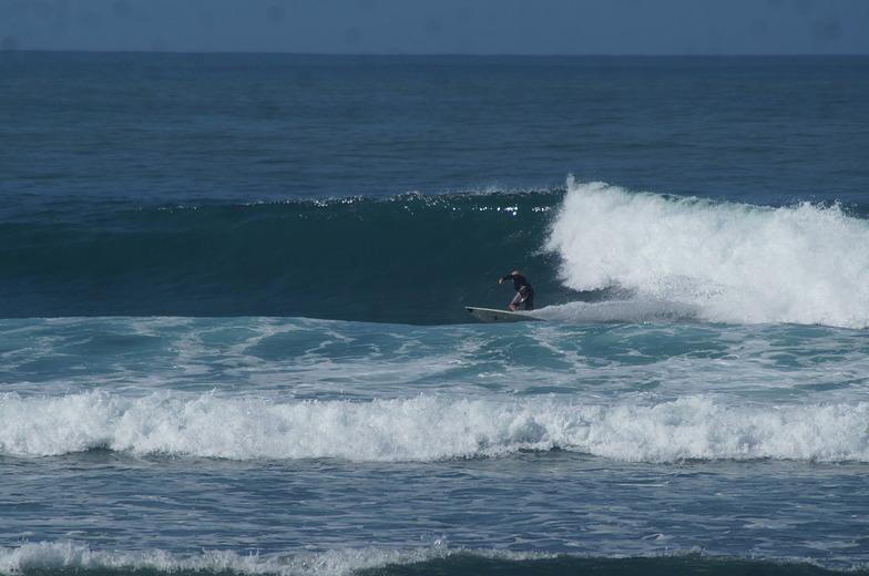 Darigayos surf break