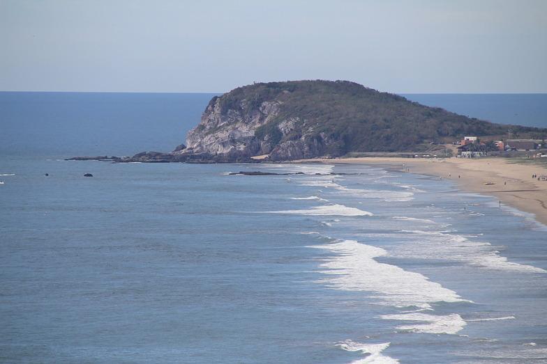 Playa Bruja surf break