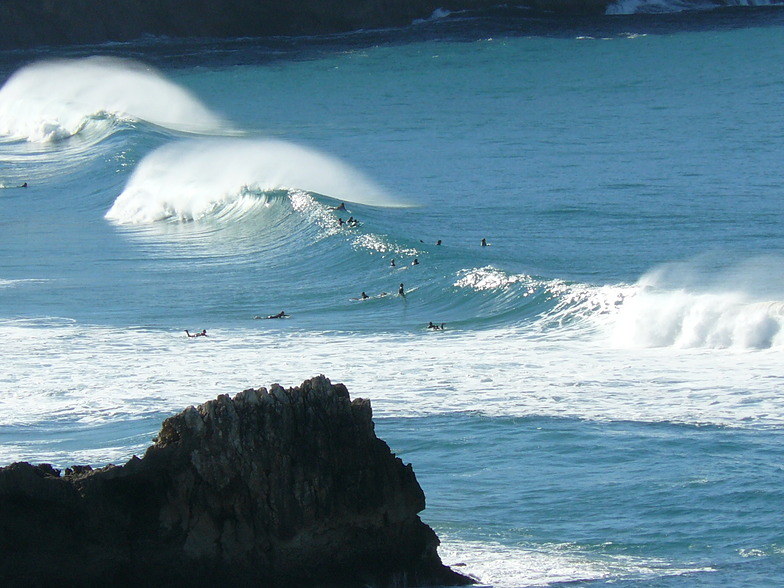 Tonel surf break