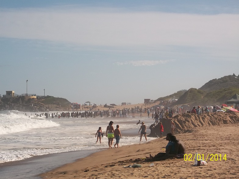 Amanzimtoti surf break
