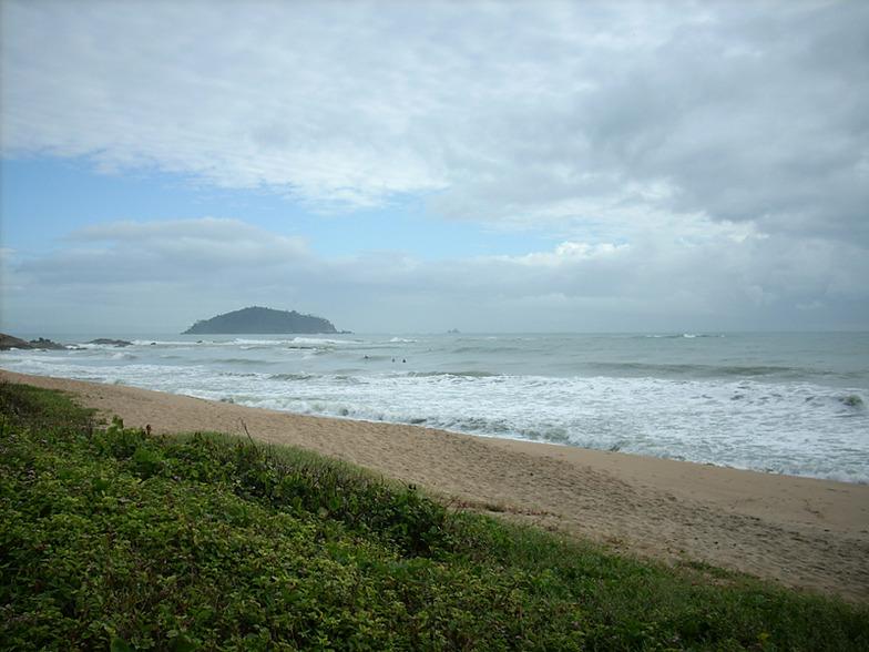 Praia do Quilombo surf break