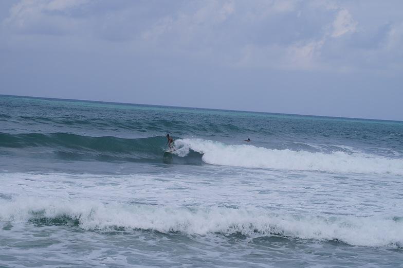 Fun wave for all surfer, Tioman Island