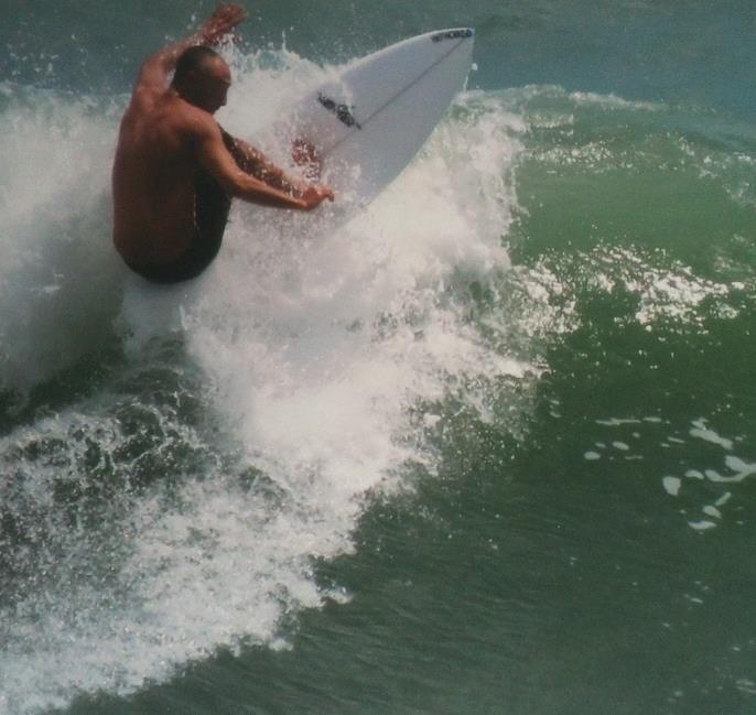 Areia Preta surf break